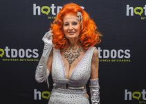 Legend Tempest Storm in fiery dispute with Burlesque Hall of Fame over Donald Trump